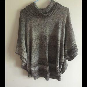 leo & nicole Sweaters - Leo & Nicole Poncho NWOT